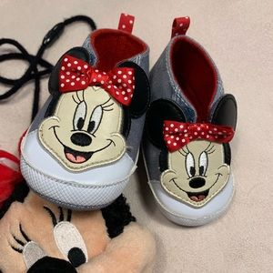Disney's Minnie Mouse baby shoes
